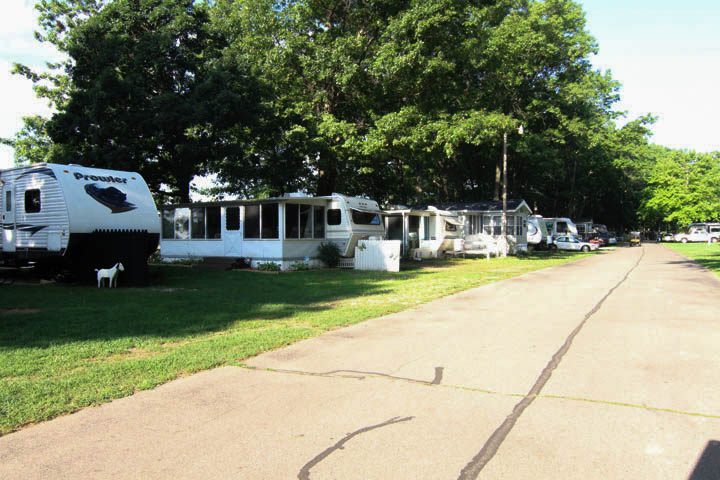 Oak Shores Campground And Recreation Decatur Michigan